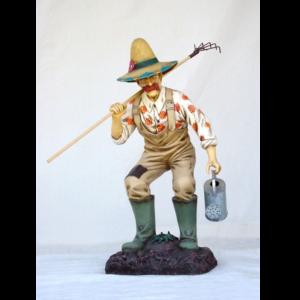 1511 Garden Gardener with rake - Tuinman