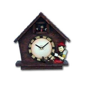 1575 Boy with Clock Standing - Pinokkio