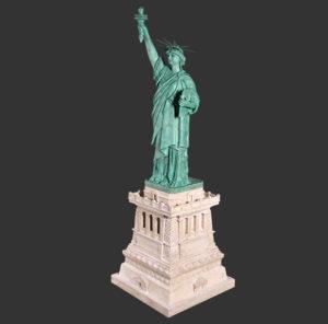 H-130049 Statue of Liberty on Base - Vrijheidsbeeld