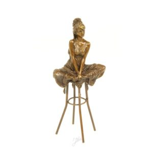 DSBJ-10 SCULPTURE LADY ON BARCHAIR - Erotica