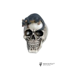 600521 - Skull with Rat - 10.5x15x15cm
