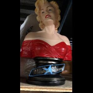 S-020R Marilyn Monroe Buste