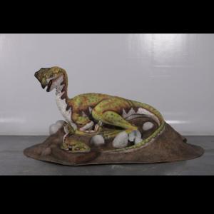 H-200018 Dinosaurs Oviraptor Nest - Dinosaurus
